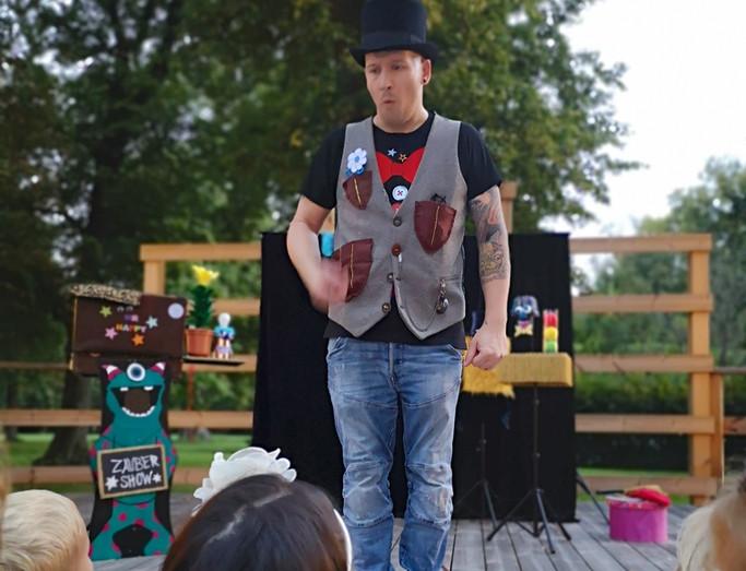 MR.HAPPY Zaubershow für Kinder Wien.jpg