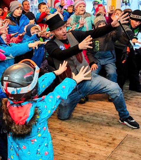Mr. Happy Zaubershow für Kinder.jpg