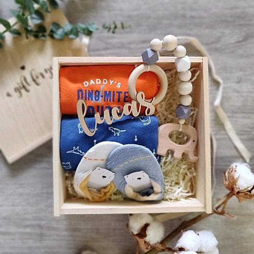 Love just got real Gift Set - Baby boy (Newborn)