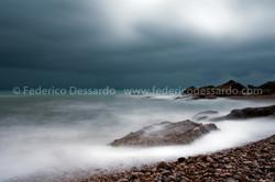 Mare in tempesta-spiaggia di cala San Ni