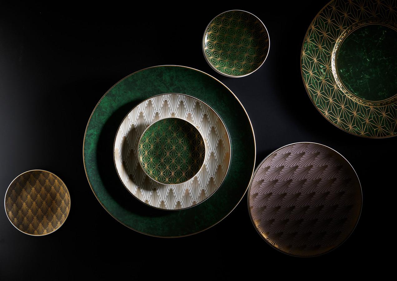 Plates Tiffany Dark Series_0343_Katinka