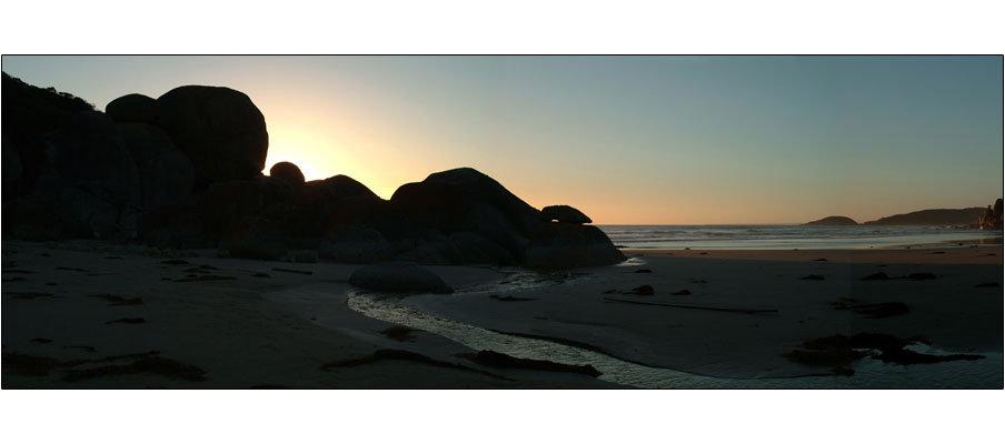 Whisky Bay Sunrise (0199)