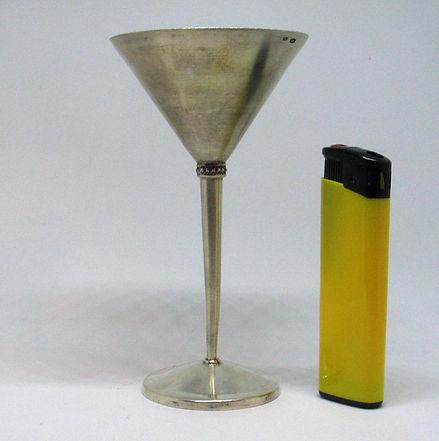 Коктейльные рюмки из серебра. Пара Всего в наличие 4 пары  Вес 97,6гр. (две рюмки); 875 проба фужеры серебряные.jpg