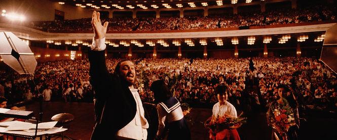 hero_pavarotti-2.jpg