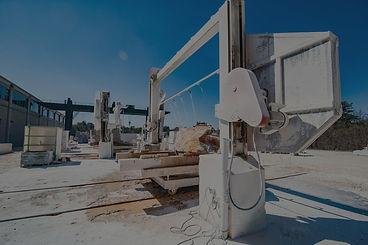A large diamond wire sawing machine_edit