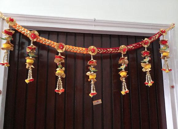 Today Fashion Handmade Wooden Parrot Pom Pom Bandarwar Main Door Toran