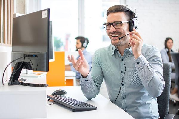 Funciones-teleoperador-call-center-1254x