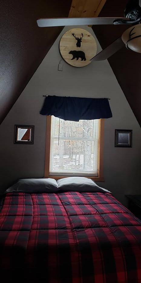 Cottage 2 Bedroom2 - Copy.jpg