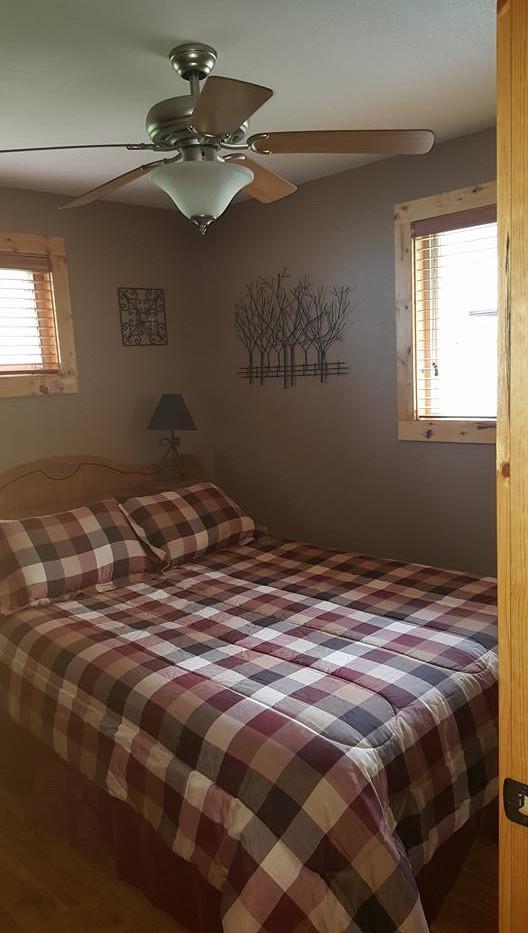 Bedroom One (Queen Bed)