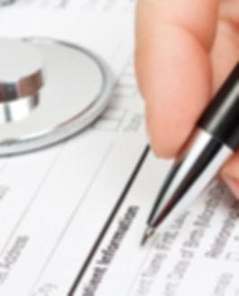 formulario médico con el estetoscopio