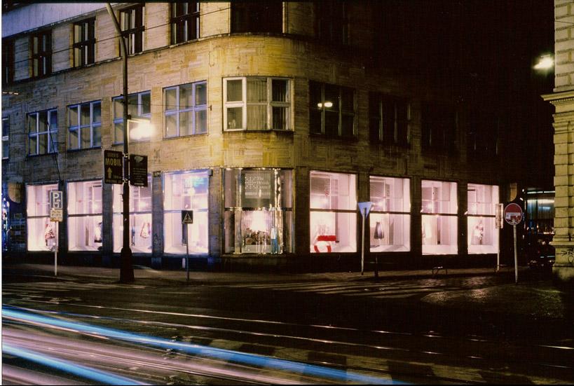 2002 Storeys