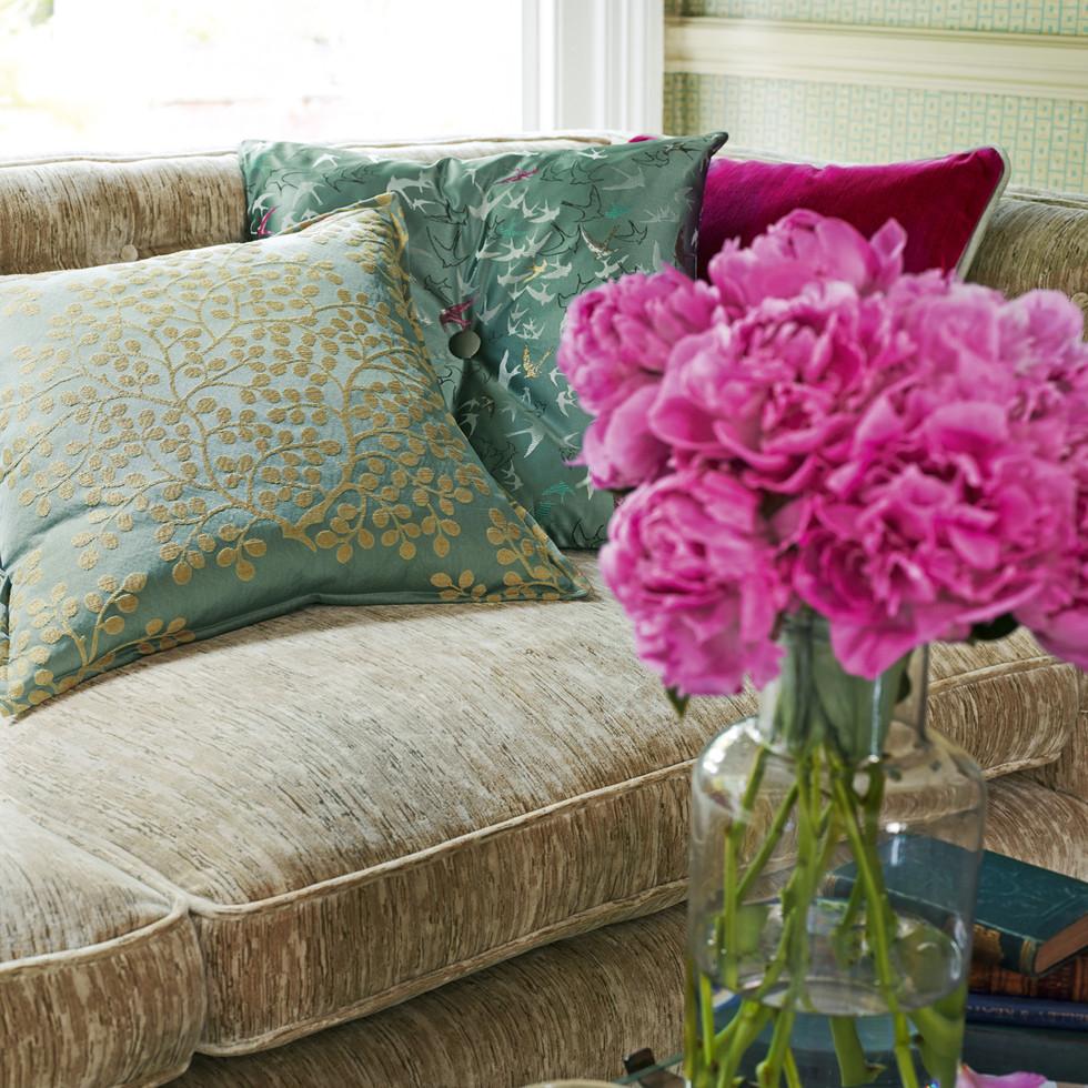 Lindos sofa detail_lr.jpg