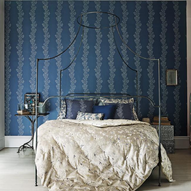 Sparkle Coral bedroom wallpaper focus_lr