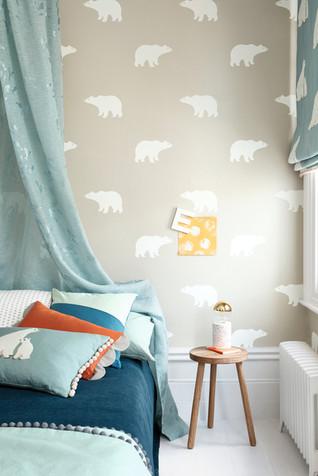 Frann - Arctic Antics - Bear Wallpaper 0