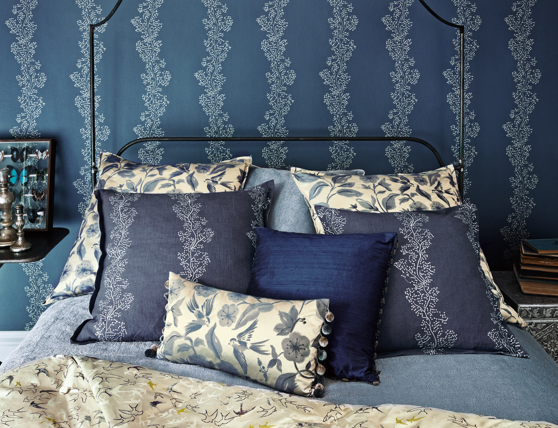 Sparkle Coral bedroom fabric detail_lr.j