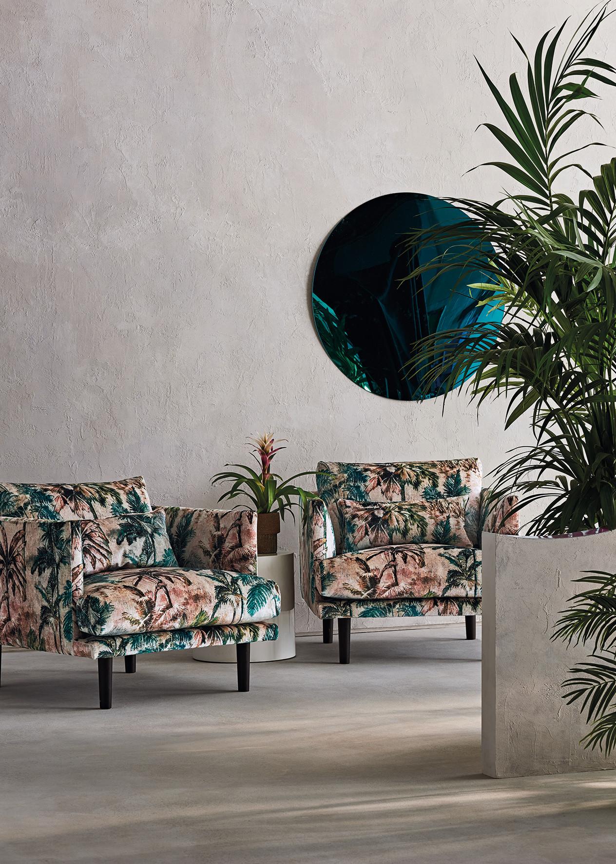 Romo_Japura_Shot 5_Tropicalia_2_Chairs_M