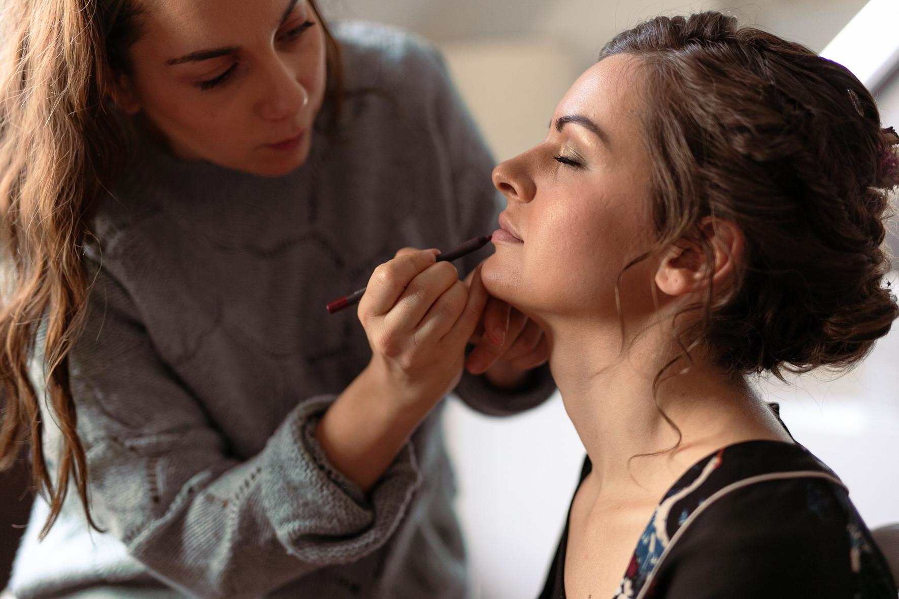 Cours d'auto maquillage personnalisé