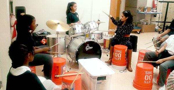 Photo:2016, bucket drumming instruction TYWLS Queens, Christina