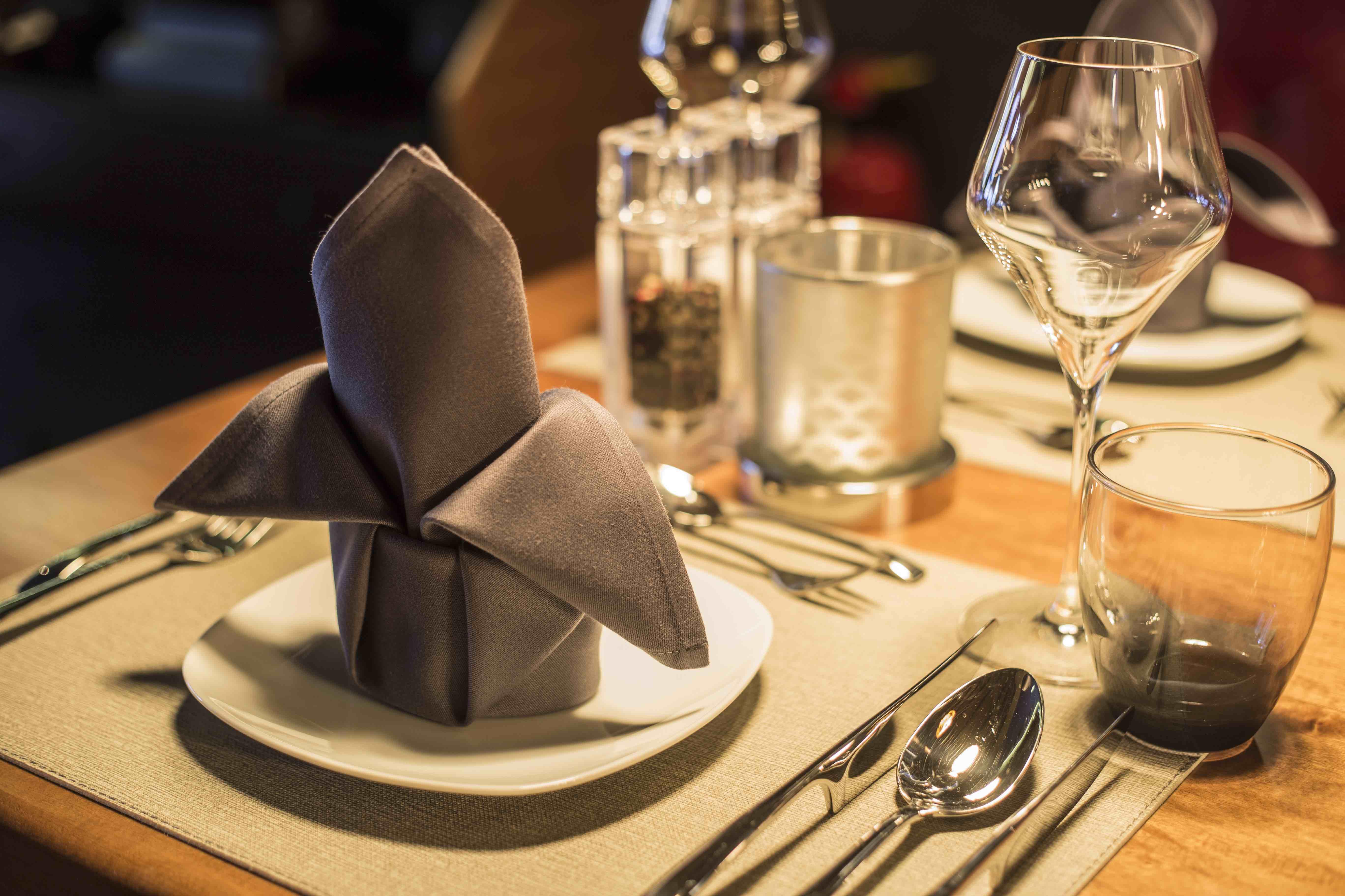 Weinbar Restaurant Baron Eisenach