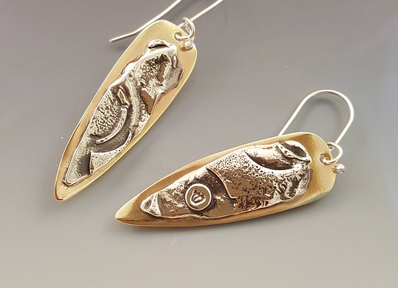"""Earrings With The Letter """"Shin"""""""