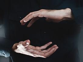hand presenting