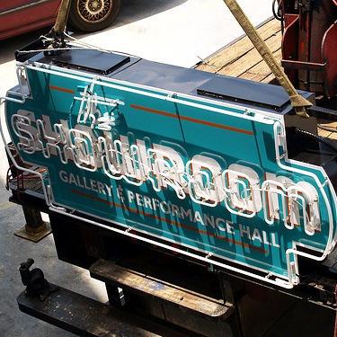Showroom Logo & Neon Sign