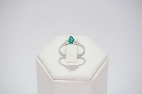 9ct White Gold Diamond and Emerald Ring