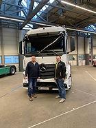 Wir haben das Fahrgestell unseres neuen Fahrzeugs aus dem Mercedes Werk in Wörth abgeholt.