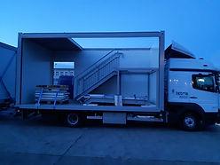 Der Prototyp LKW, der eigens für uns zum Transport von 3200 mm hohen Containern entwickelt wurde, ist jetzt im Einsatz und leistet Beeindruckendes.