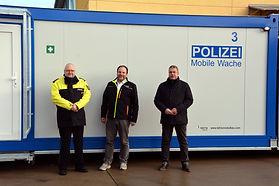Nur 10 Wochen nach der Auftragserteilung wurden 6 völlig autarke Polizeiwachen in den Dienst der Polizei Sachsen-Anhalt gestellt.