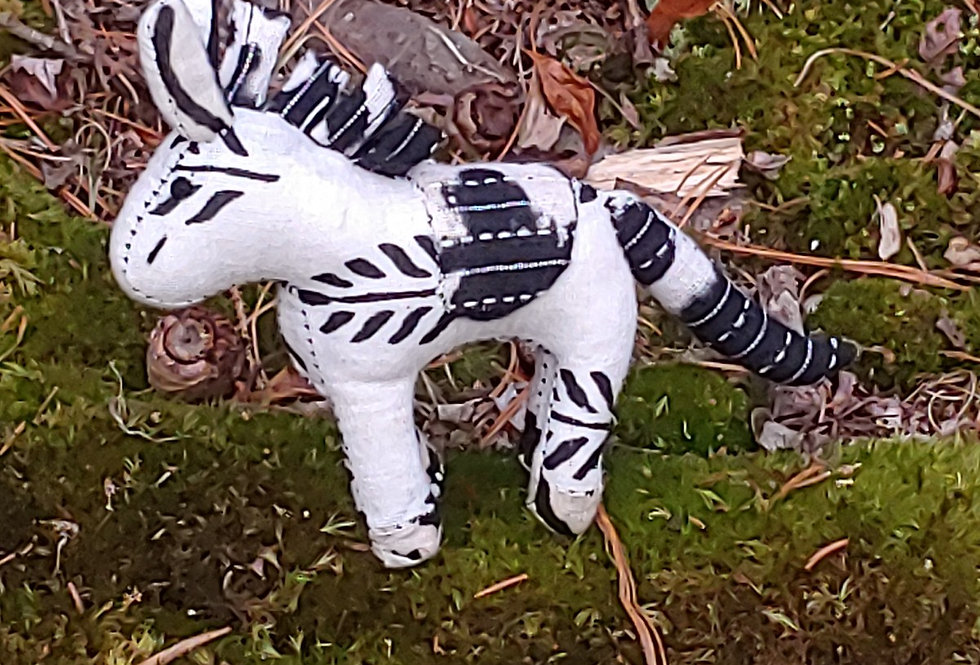 Small Horse - Black and White pattern