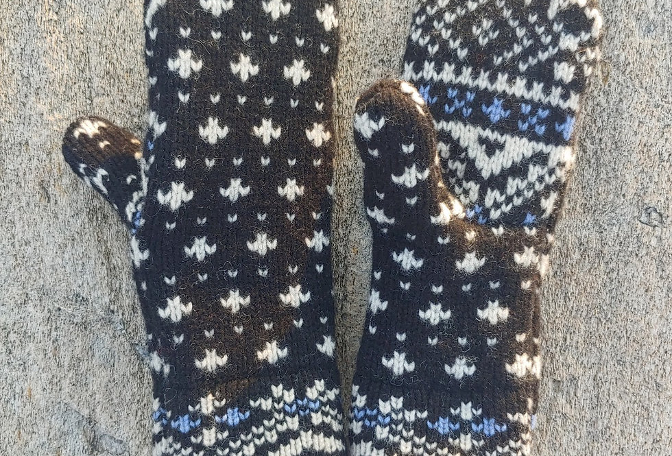 Wool Mitten Black and White Snowflake design with Cashmere Lining