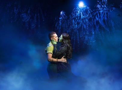 Aaron Sidwell as Fieyro and Amy Ross as Elphaba