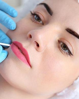 micropigmentacao-de-labios-o-guia-comple