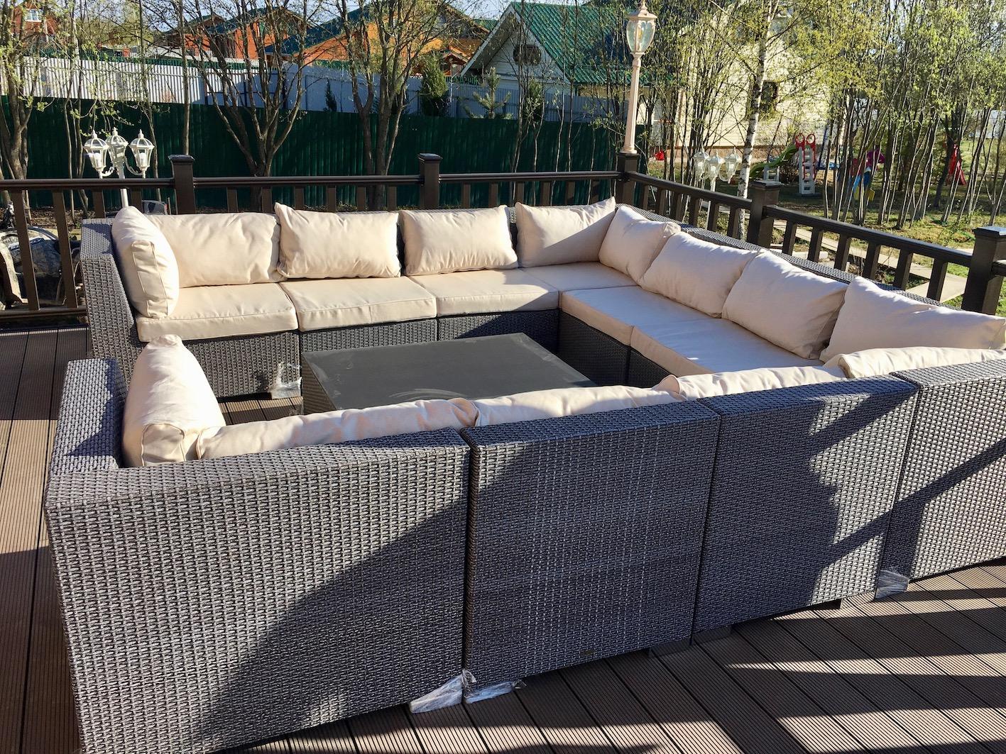 Модульный диван из искусственного ротанг
