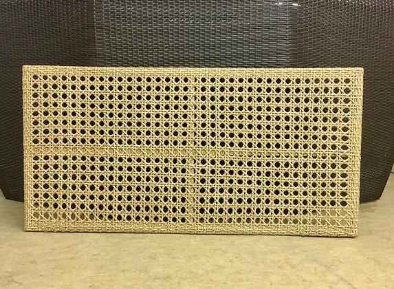 Экран на радиатор из искусственного ротанга
