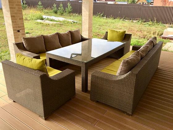 Комплект мебели из искусственного ротанга с широкими подлокотниками