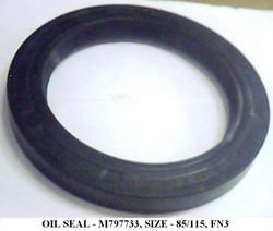 M797733- OIL SEAL