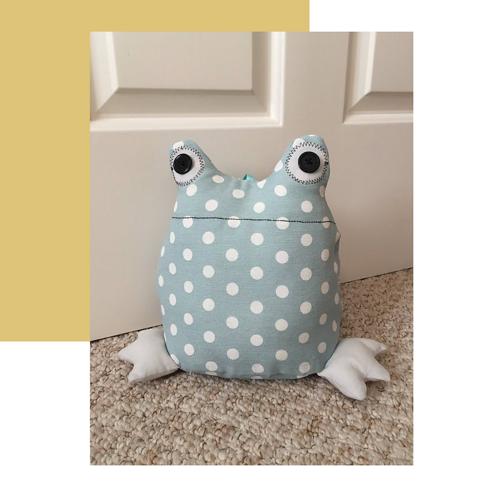 Hannah Jacobs Designs: Frog Doorstop