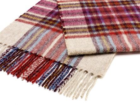 Wool Blanket Online: Lambswool scarf penyghent raspberry