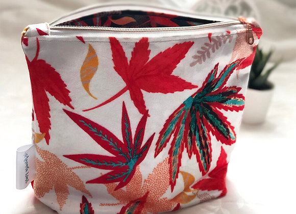 Shimmer Velvet Wash Bag - Winter Acers