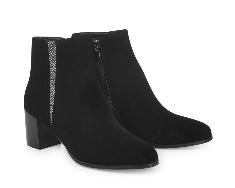 Yull Shoes: Gloucester Heeled Ankle Boot
