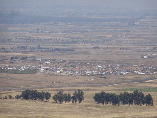 Syrian refugees on the Golan