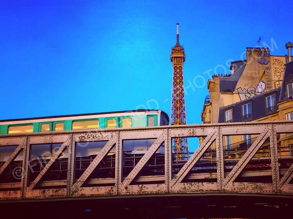 Métro Eiffel - Paris
