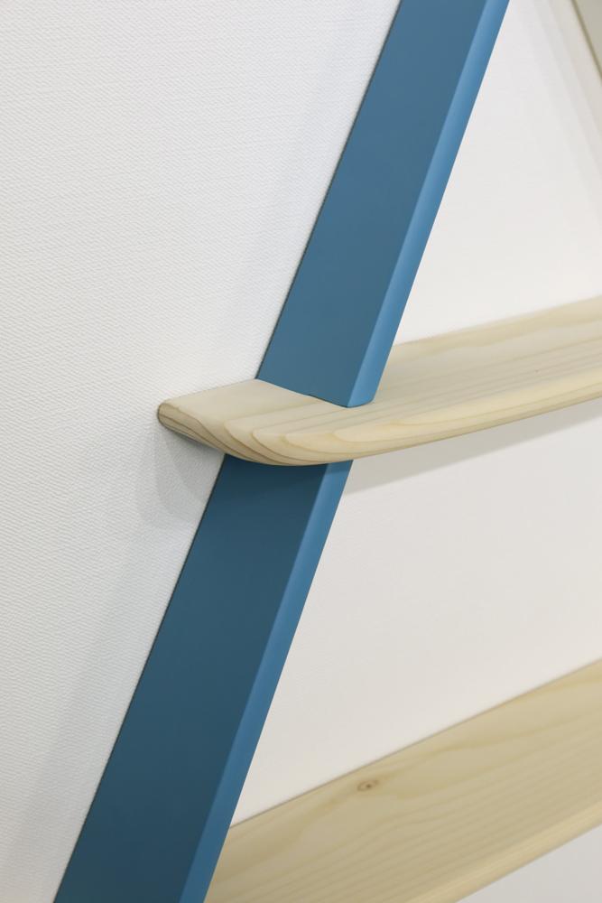 triangle shelf 3