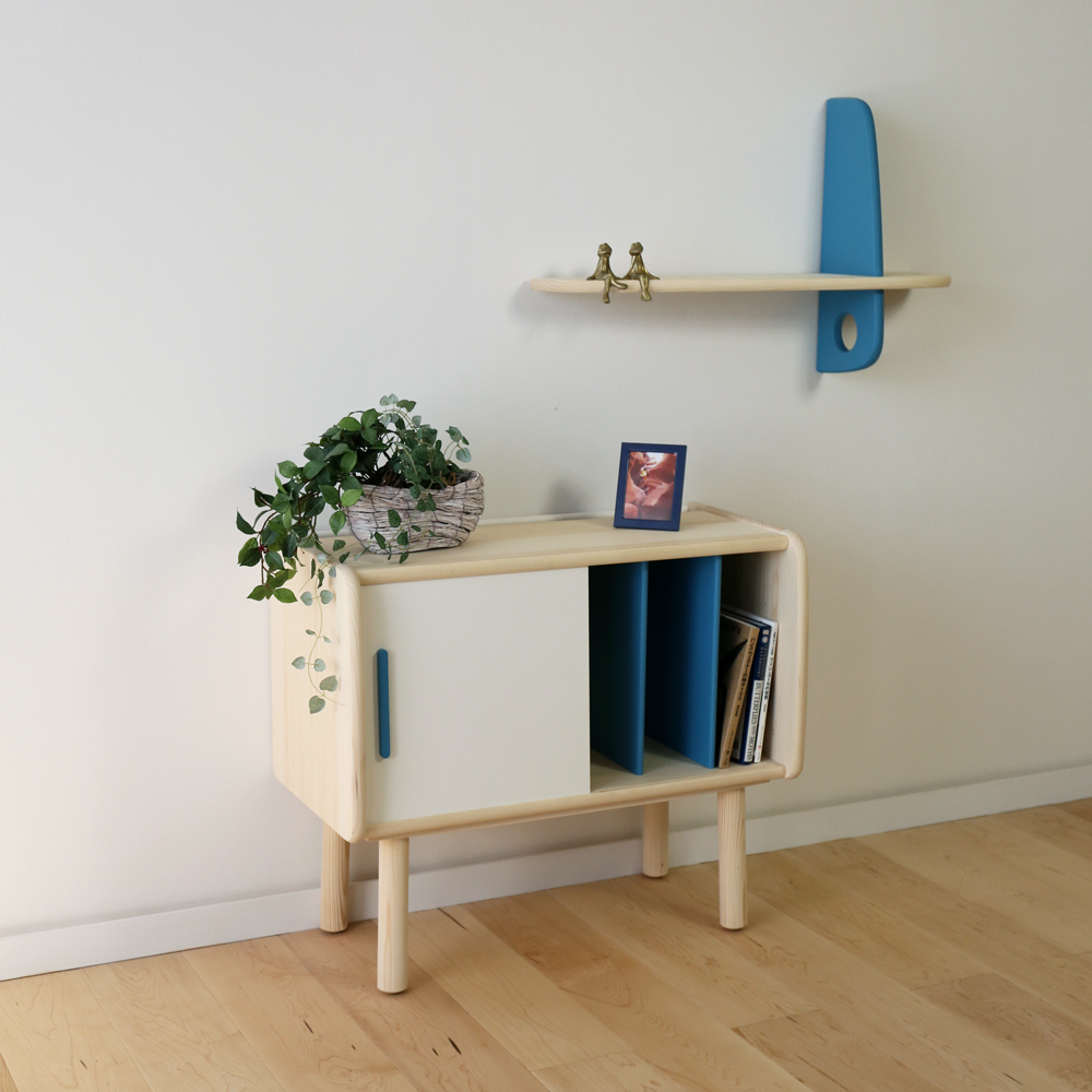 cross shelf + small cabinet