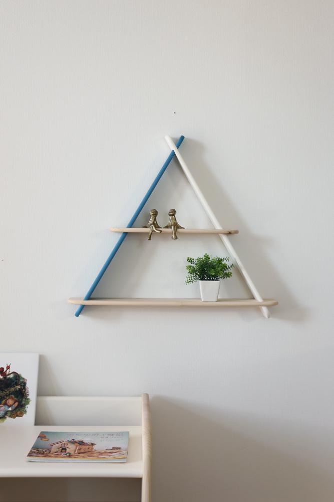 triangle shelf 1