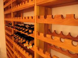 ארון ל 365 בקבוקי יין