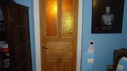 דלת ישנה לאמבטיה