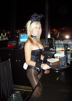 cocktail-waitress2.jpg